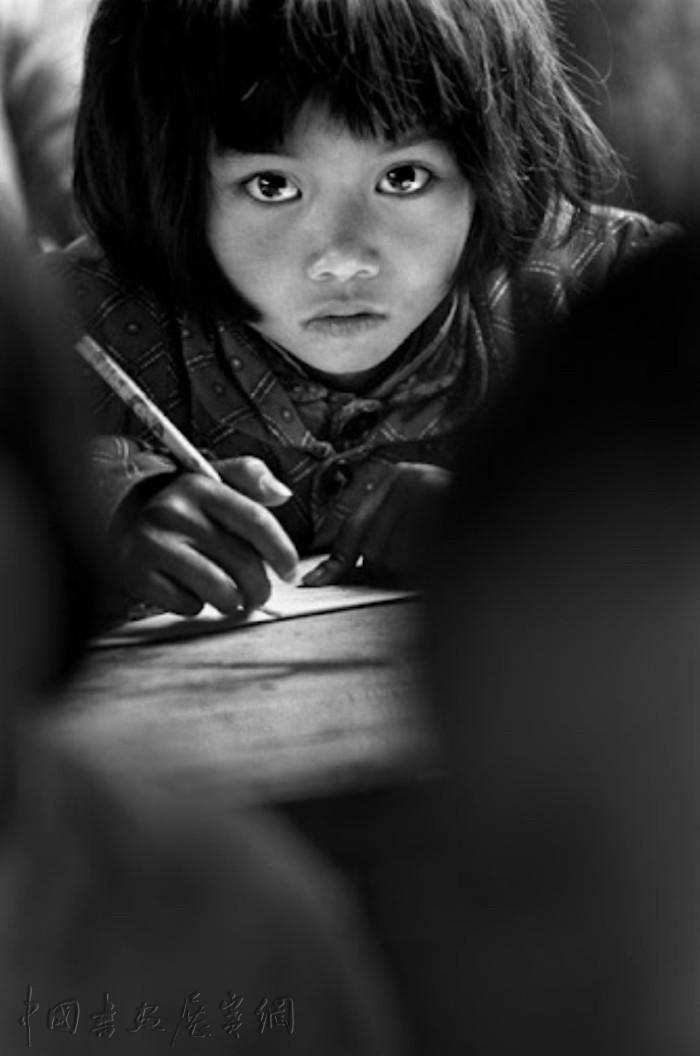 """摄影 唤起""""希望""""的那些瞬间,那些人性的光辉"""
